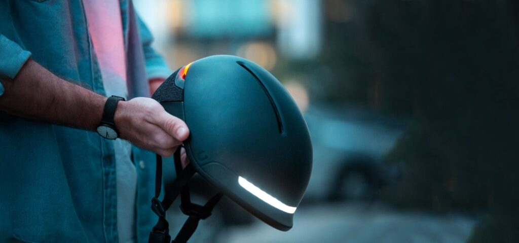 Faro – A Smart Helmet by UNIT 1 has Raised $300,000 via Kickstarter